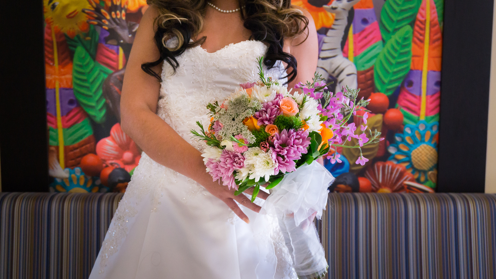 Tampa Wedding Photographer, bridal shoot, spring aspiration, flowers, bouquet, fotografo de bodas