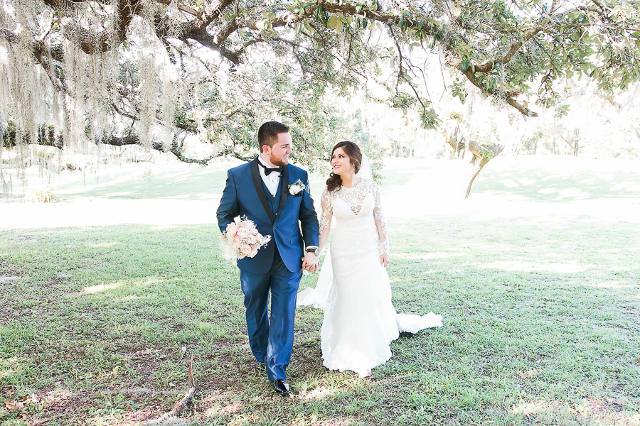 Tampa wedding photographer, riverhills country club wedding, elegant wedding, Tampa wedding