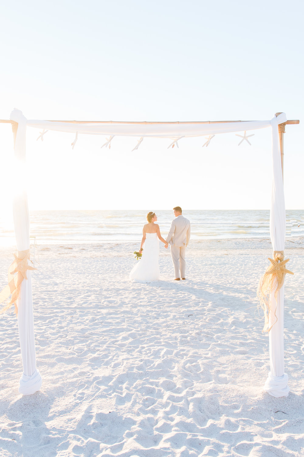 Bride and groom, St.Pete wedding photographer, St.Pete wedding, St.Pete beach, tide the knot beach weddings, mir salgado photography, Tampa wedding photographer