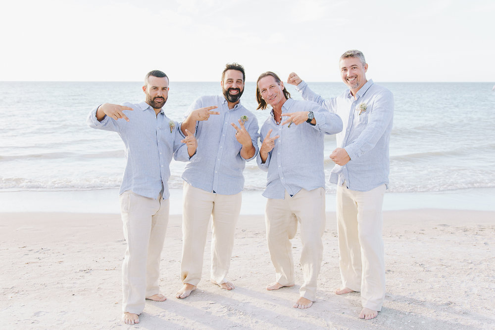 beach-wedding-groom-and-groomsmen-photo