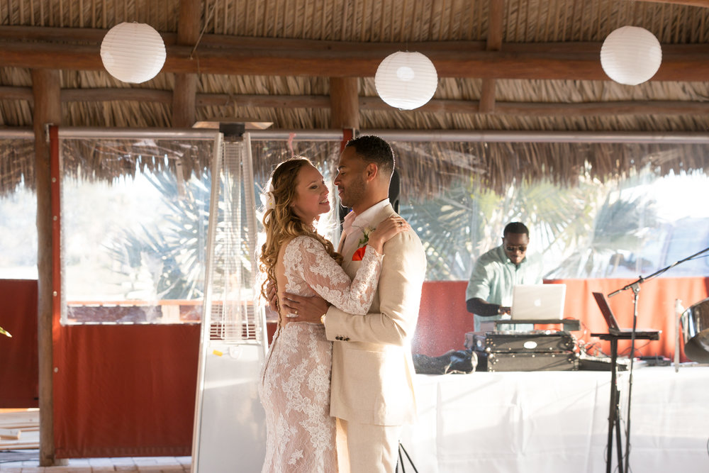 beach-wedding-photography, first-dance