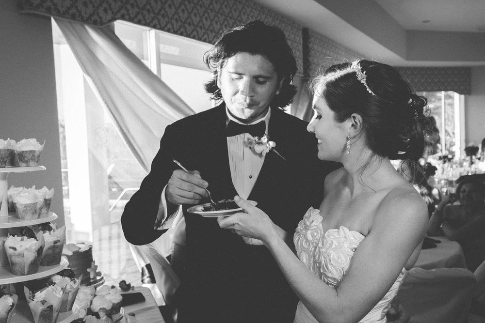Apollo-beach-wedding-cake-Apollo-beach-wedding-photographer