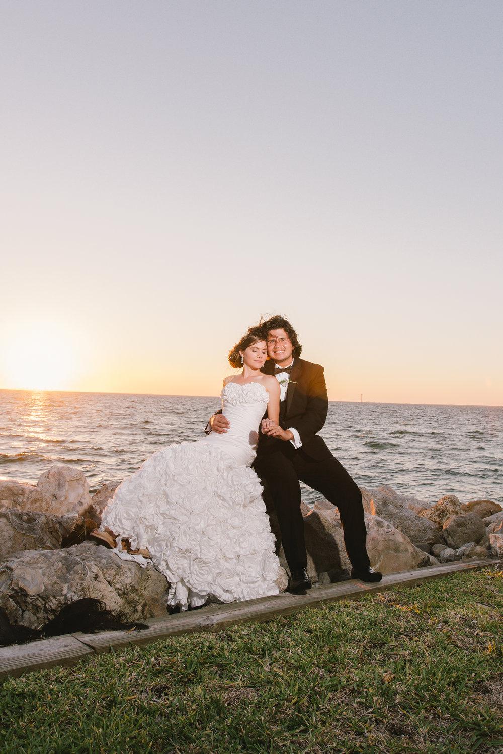 Tampa-wedding-photography, bride-and-groom-wedding-photo, Apollo-beach-wedding