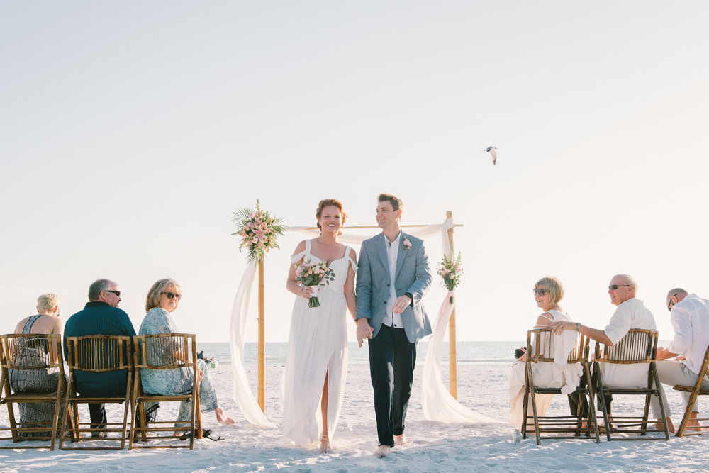 Tide-the-knot-beach-weddings-ceremony, beach-wedding-in-Florida, Tampa-wedding-photographer