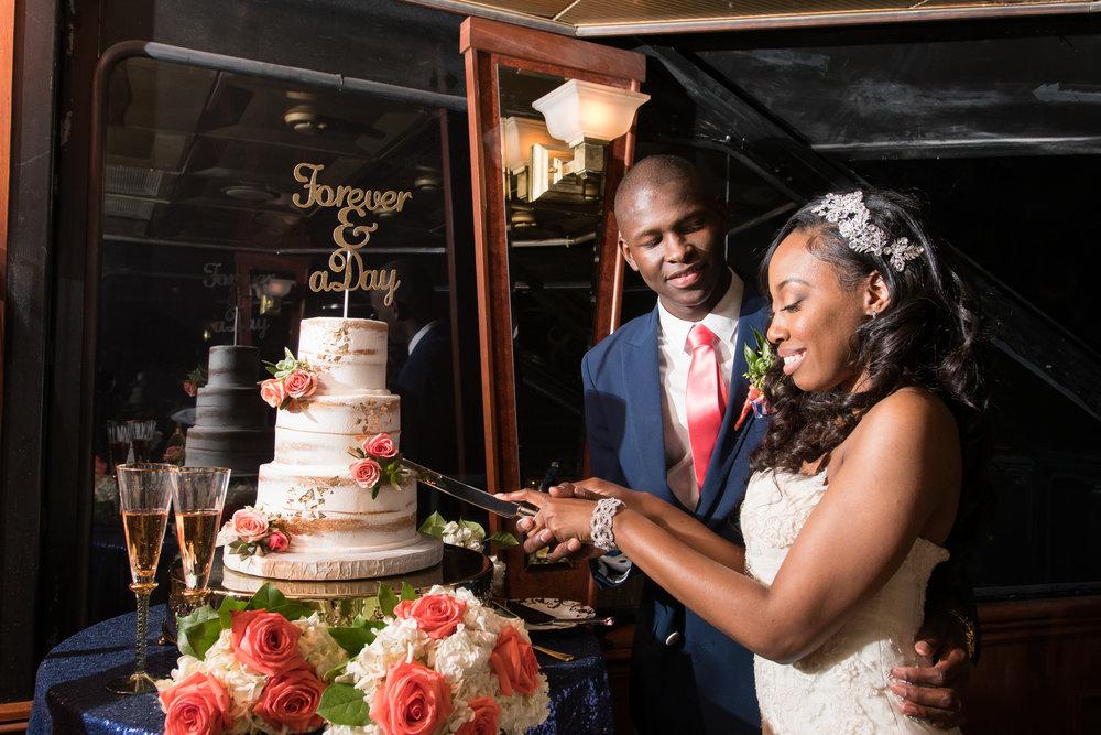 St.Pete-wedding-day, wedding-cake, cake-cutting
