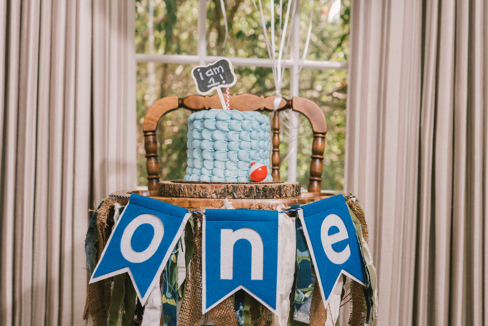 Tampa-smash-cake-session-decoration