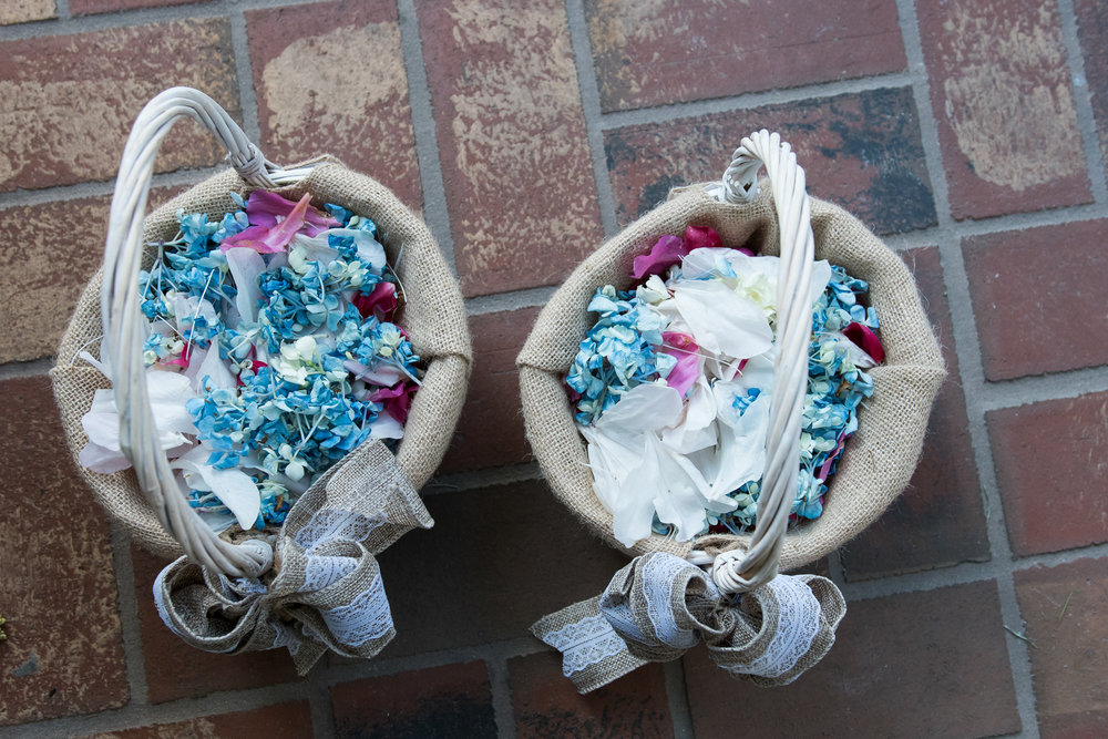 lutz-backyard-wedding-ceremony-decorations, tampa-wedding-photographer