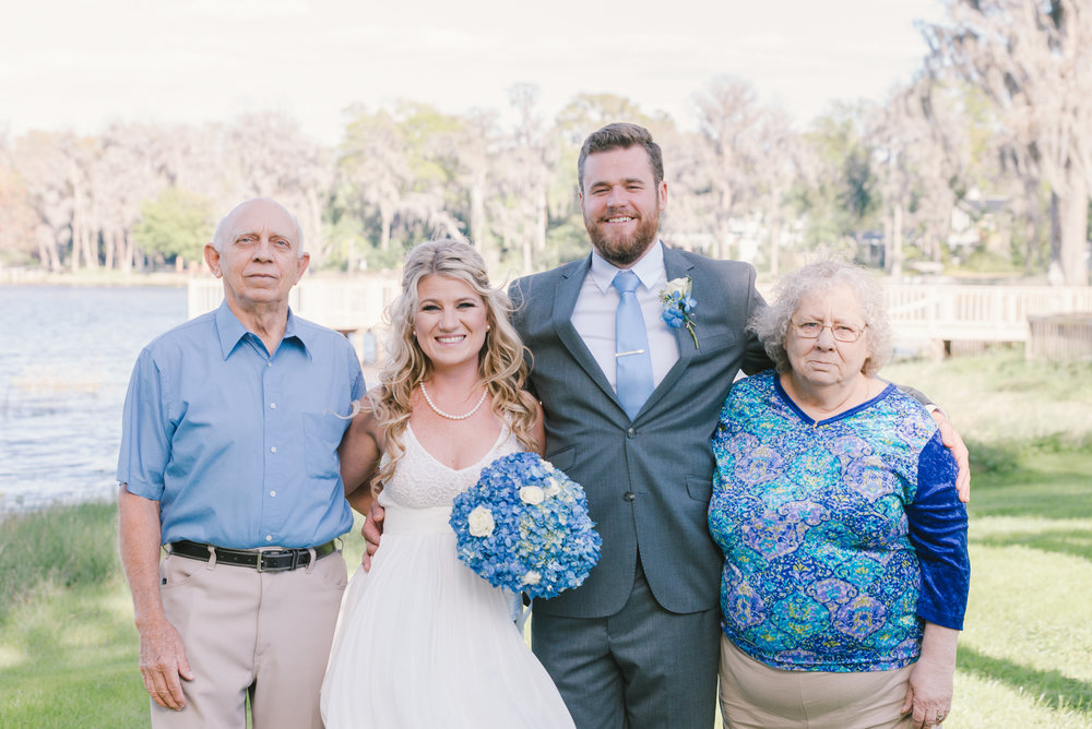 lutz-backyard-wedding-family, tampa-wedding-photographer