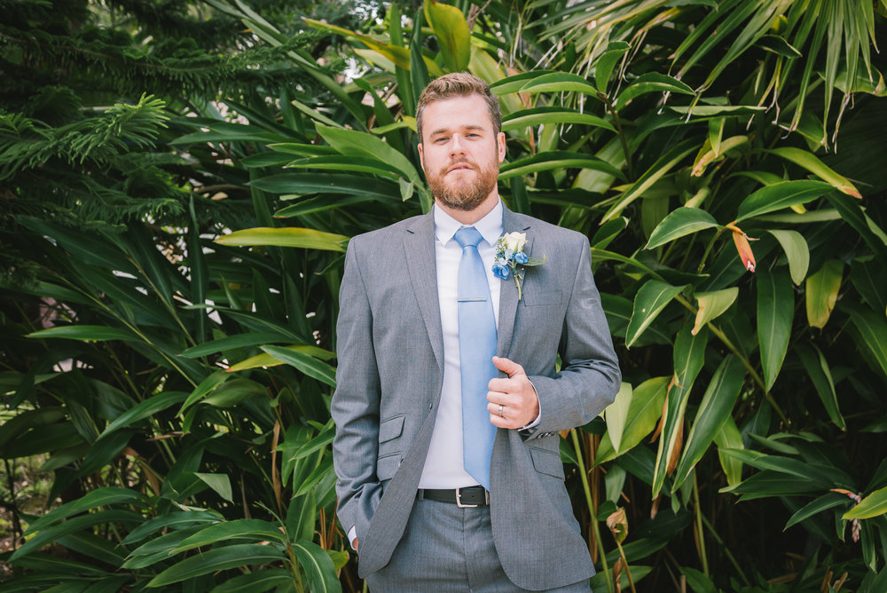 lutz-backyard-wedding-groom, tampa-wedding-photographer