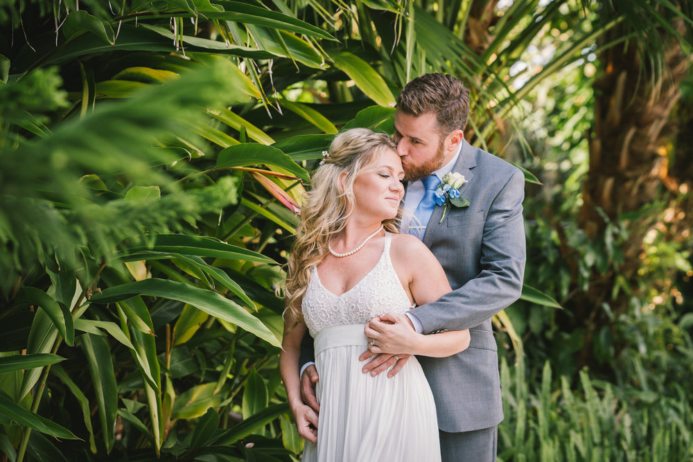 Lutz-wedding-photo, Tampa-backyard-wedding-photo