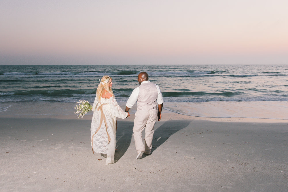 Tide-the-knot-beach-weddings, St.Pete-beach-wedding-photo