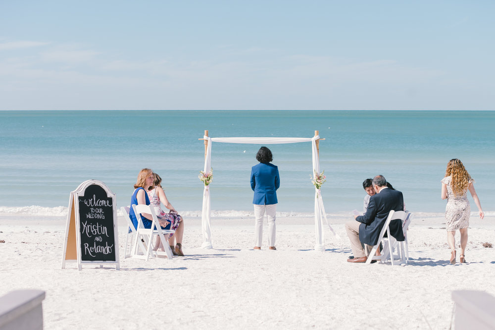 St.Pete-beach-ceremony, St.Pete-beach-wedding-photo