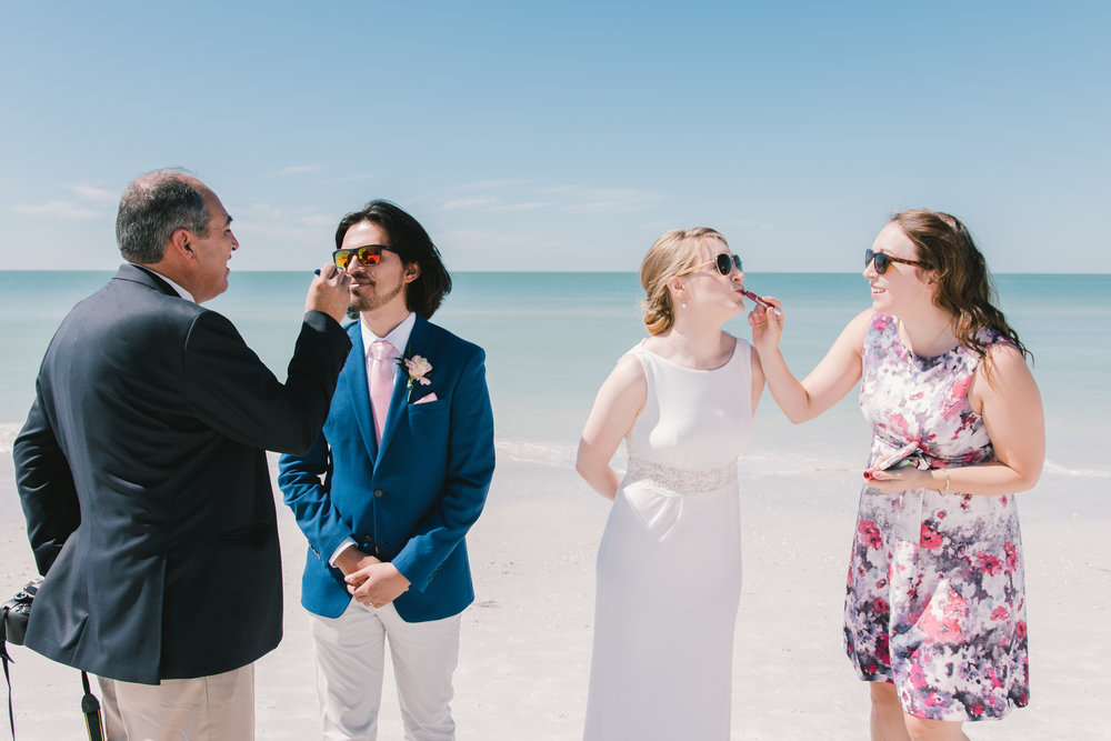 St.Pete-beach-wedding-photo, Fun-beach-wedding-photo