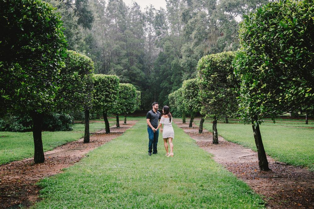 Bok-tower-gardens-engagement-session, romantc-rainy-engagement-photo