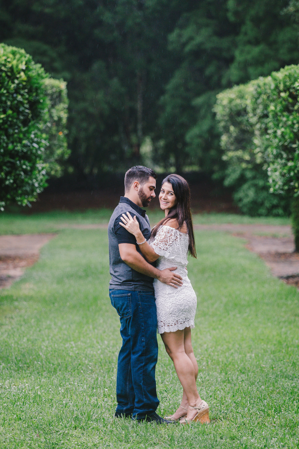 bok-tower-romantic-engagement-photo
