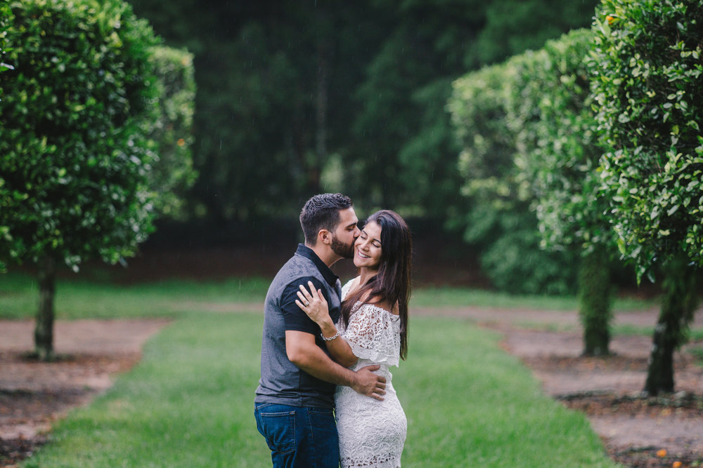 Bok-tower-romantic-rainy-engagement-session