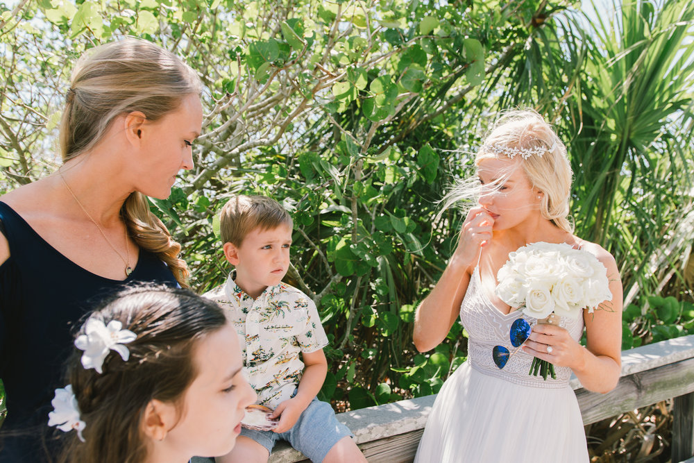 bride-and-family-beach-wedding-photo