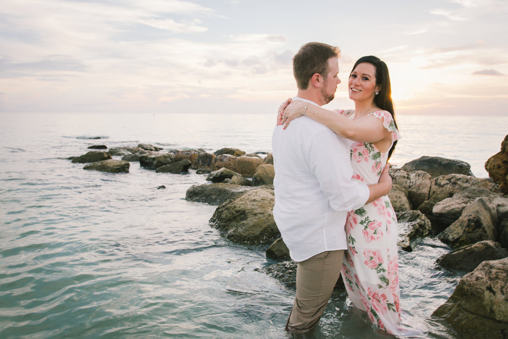 florida-rocky-shore-engagement-session, tampa-wedding-photographer
