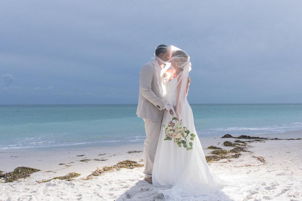 Anna-Maria-Island-wedding-photographer, Florida-beach-wedding