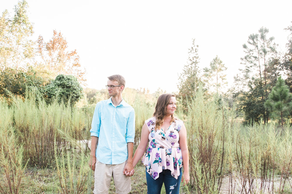 Tampa-engagement-natural-session, wood-engagement-session-photo