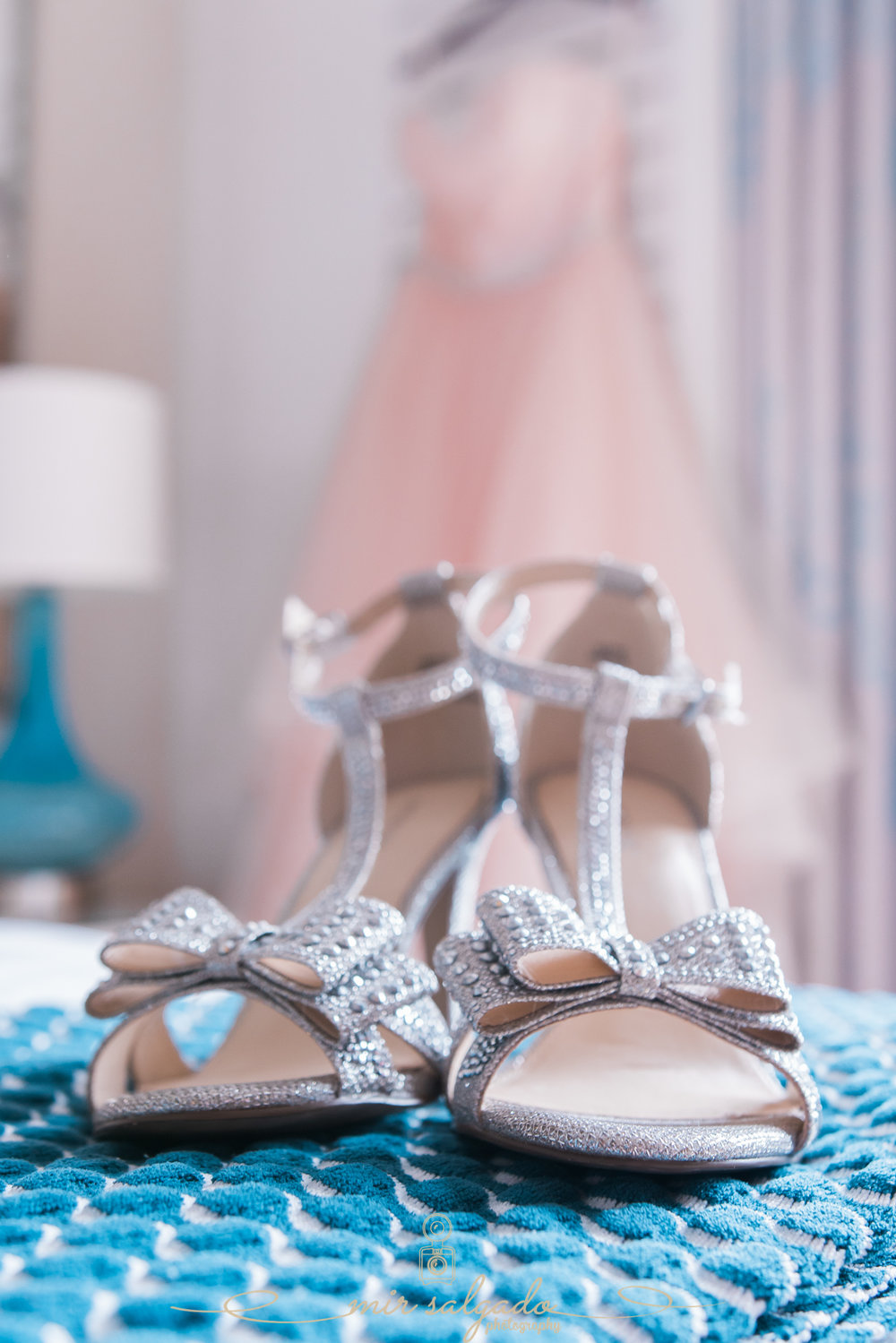 Bride-shoes-photo, beach-wedding-photo, St.Pete-wedding-photographer