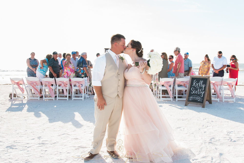St.Pete-beach-wedding-ceremony, St.Pete-wedding-photographer