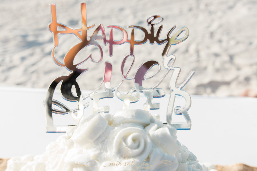 St.Pete-beach-wedding, wedding-cake-photo