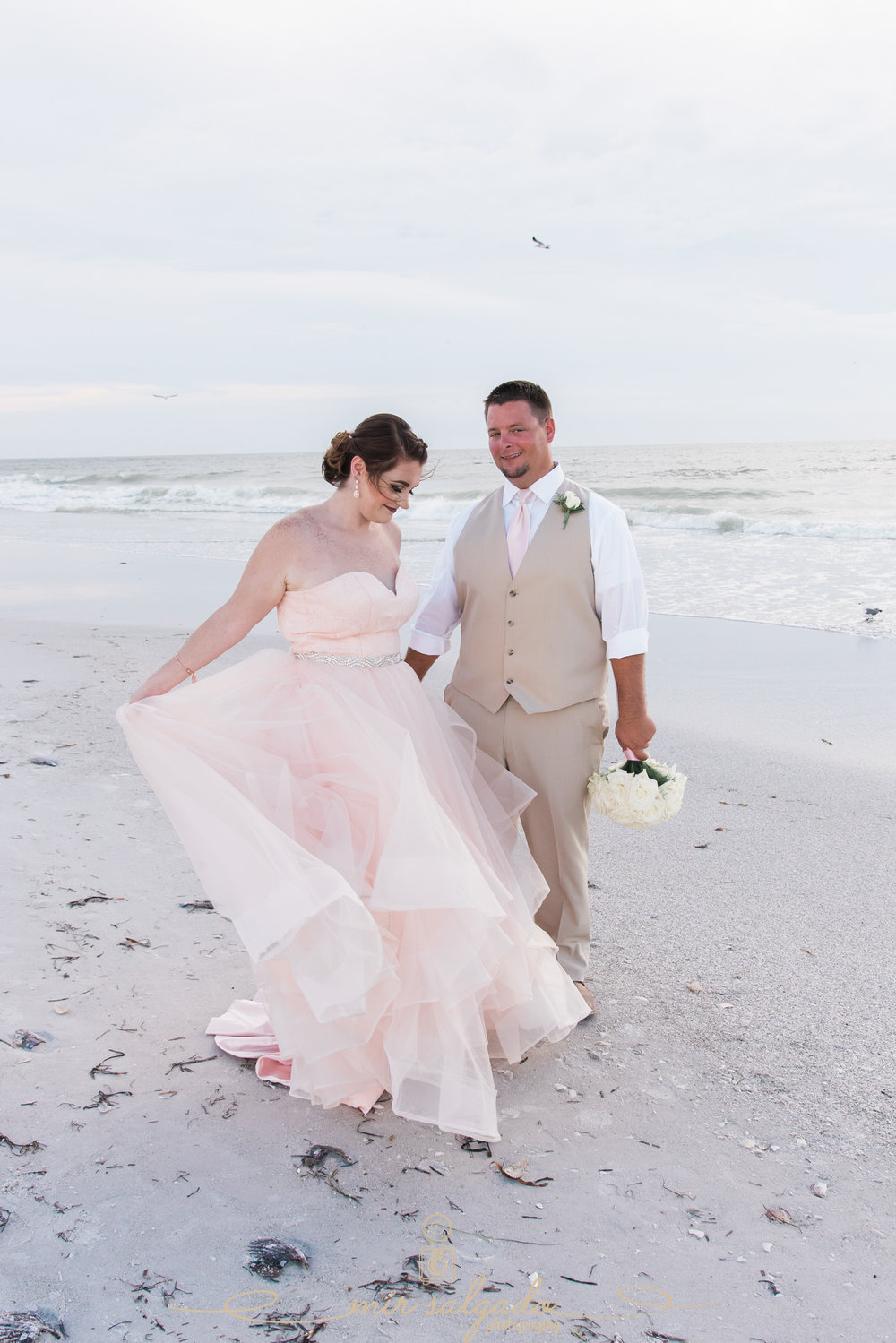 Florida-destination-wedding-photographer, Florida-beach-wedding-photo, pink-wedding-dress