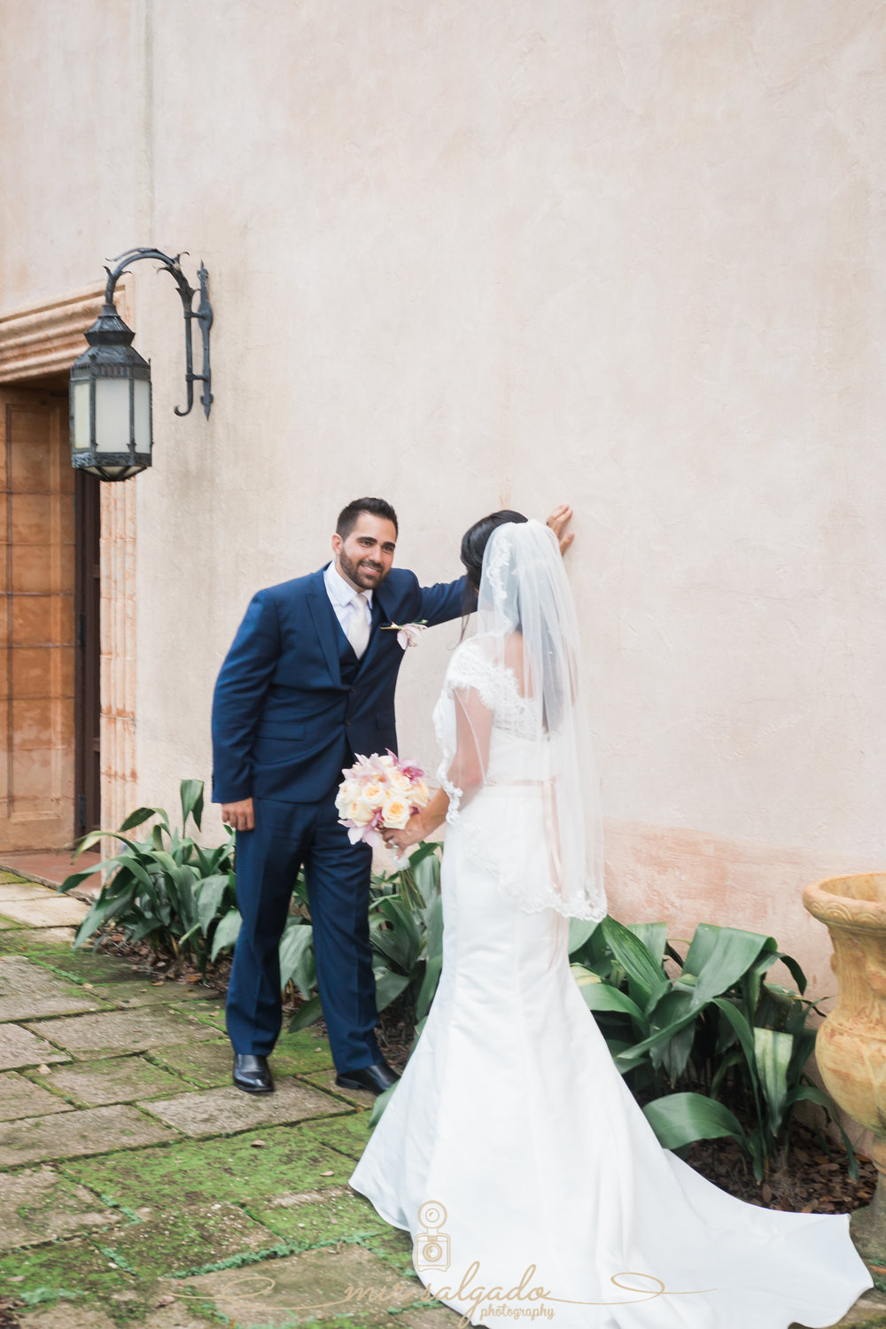 Bok-tower-gardens-wedding-photo, bride-and-groom-photos, Tampa-wedding