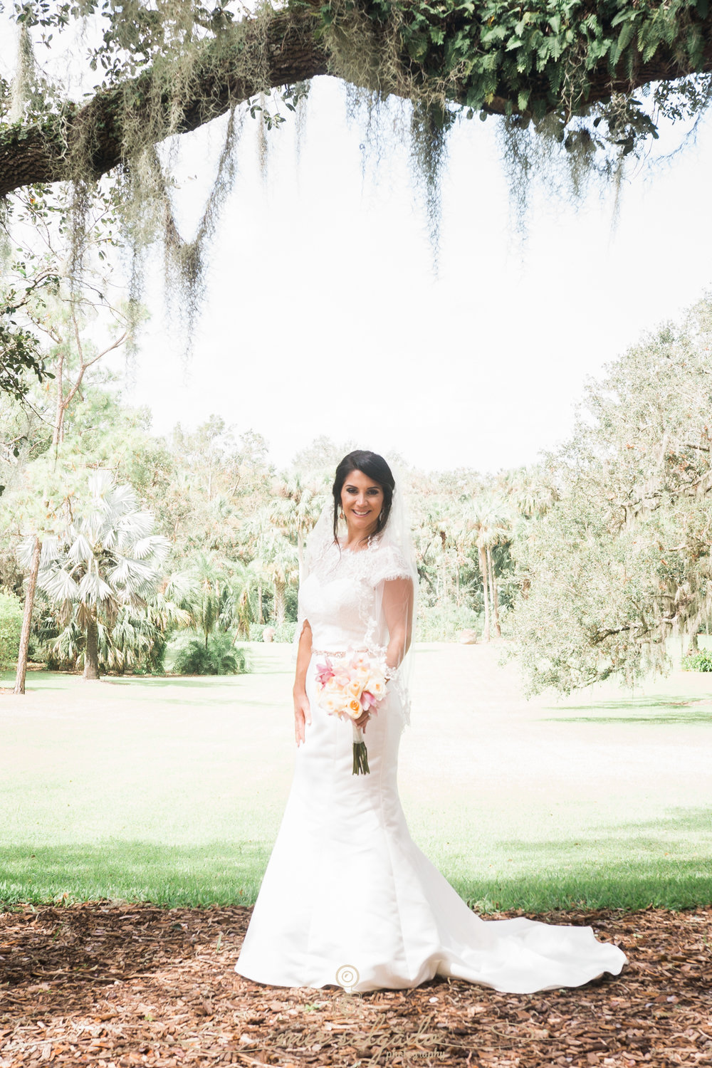 Bok-tower-gardens-wedding-photo, bride-photo, Tampa-wedding-photographer