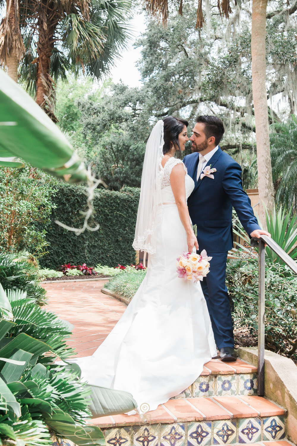 Bok-tower-gardens-wedding-day, garden-wedding-in-Florida, Tampa-wedding-photographer