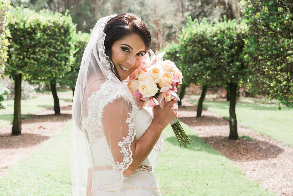 bride-photo, Bok-tower-gardens-wedding-photo, Florida-garden-wedding-photo