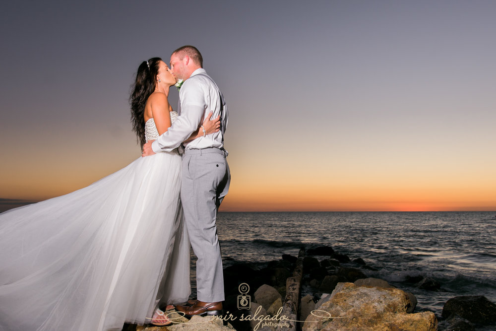 Tampa-wedding-photographers, Sunset-beach-wedding-photo
