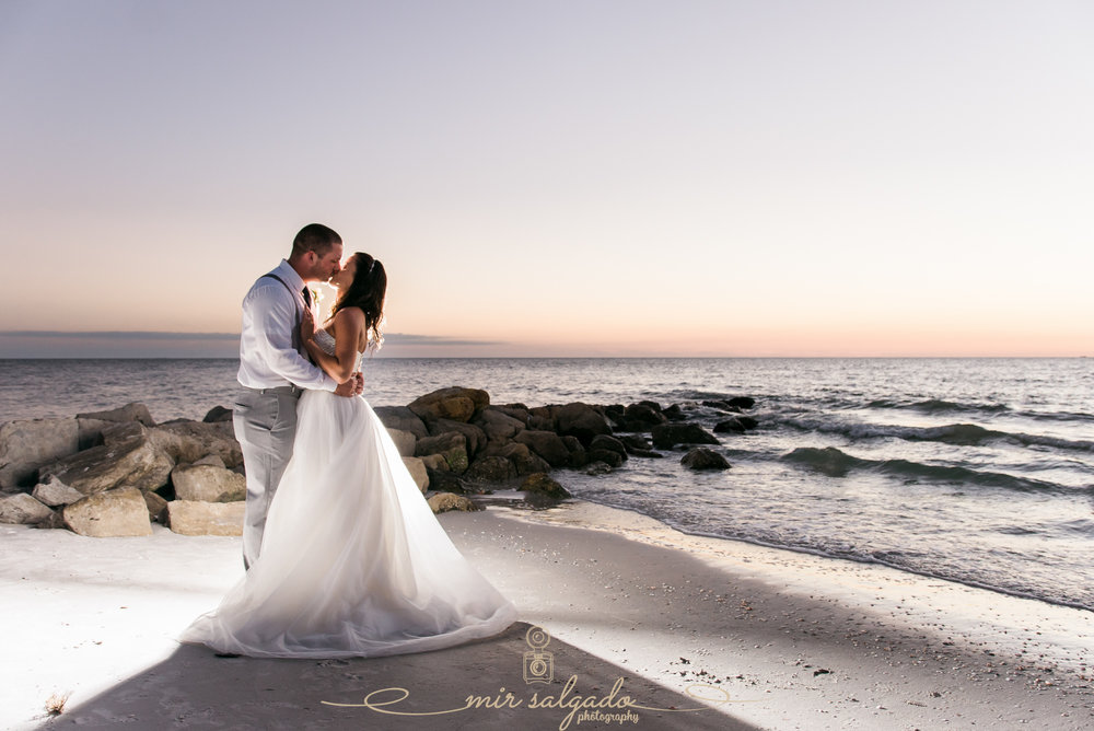 St.Pete-wedding-photographer, Sunset-beach-wedding-photo