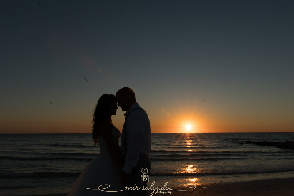 Florida-sunset-beach-wedding-photo, Tampa-wedding-photographer