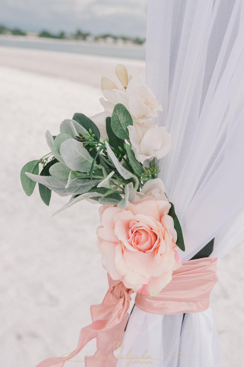 Anna-Maria-island-wedding-decoration, Tide-the-knot-beach-weddings