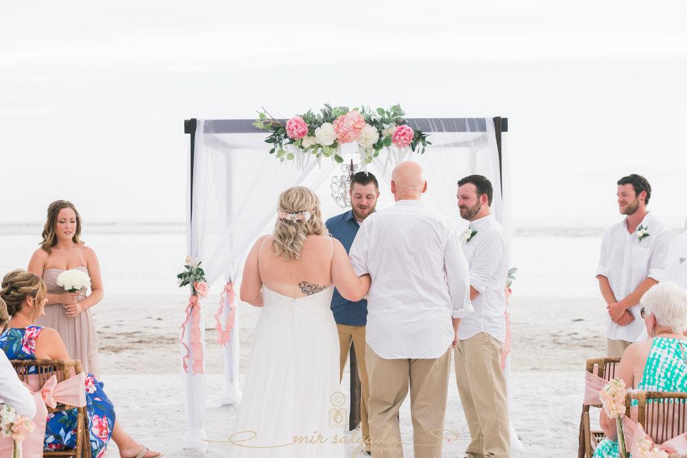 Florida-beach-wedding-photo, Tampa-wedding-photographer, beach-ceremony
