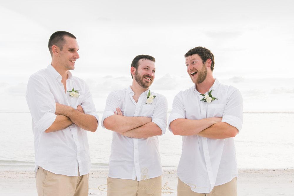 Groom-and-groomsmen-photo, beach-wedding-ceremony-photo