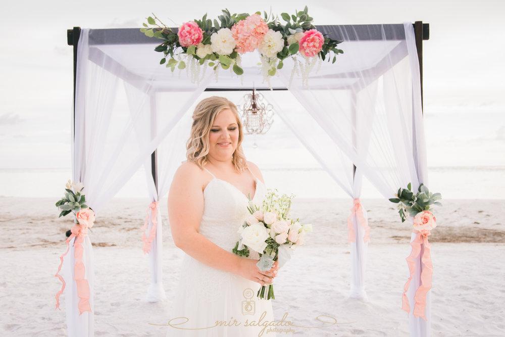 beach-wedding-photo, bride-wedding-photo
