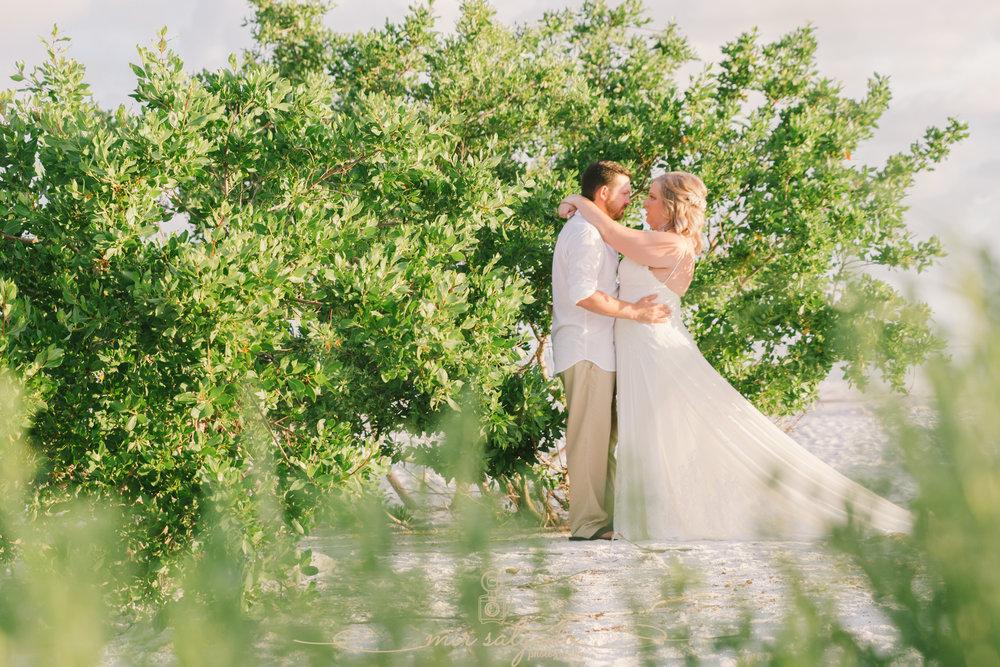 Anna-Maria-island-photographer, wedding-beach-photo, St.Pete-wedding-photographer
