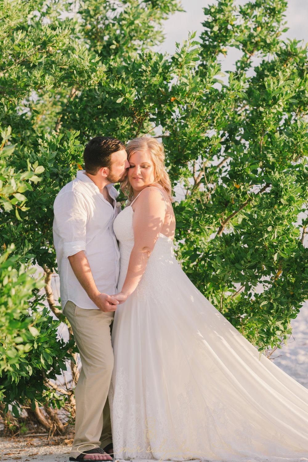 bride-and-groom-wedding-photo, beach-wedding-photo