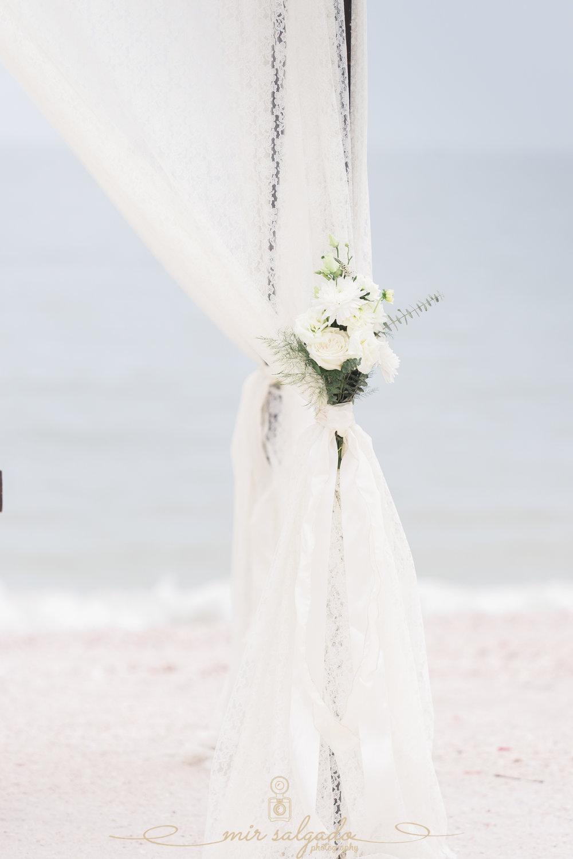 beach-wedding-decoration, St.Pete-beach-wedding-deco