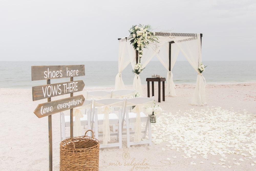 St.Pete-wedding-photographer, beach-wedding-decoration