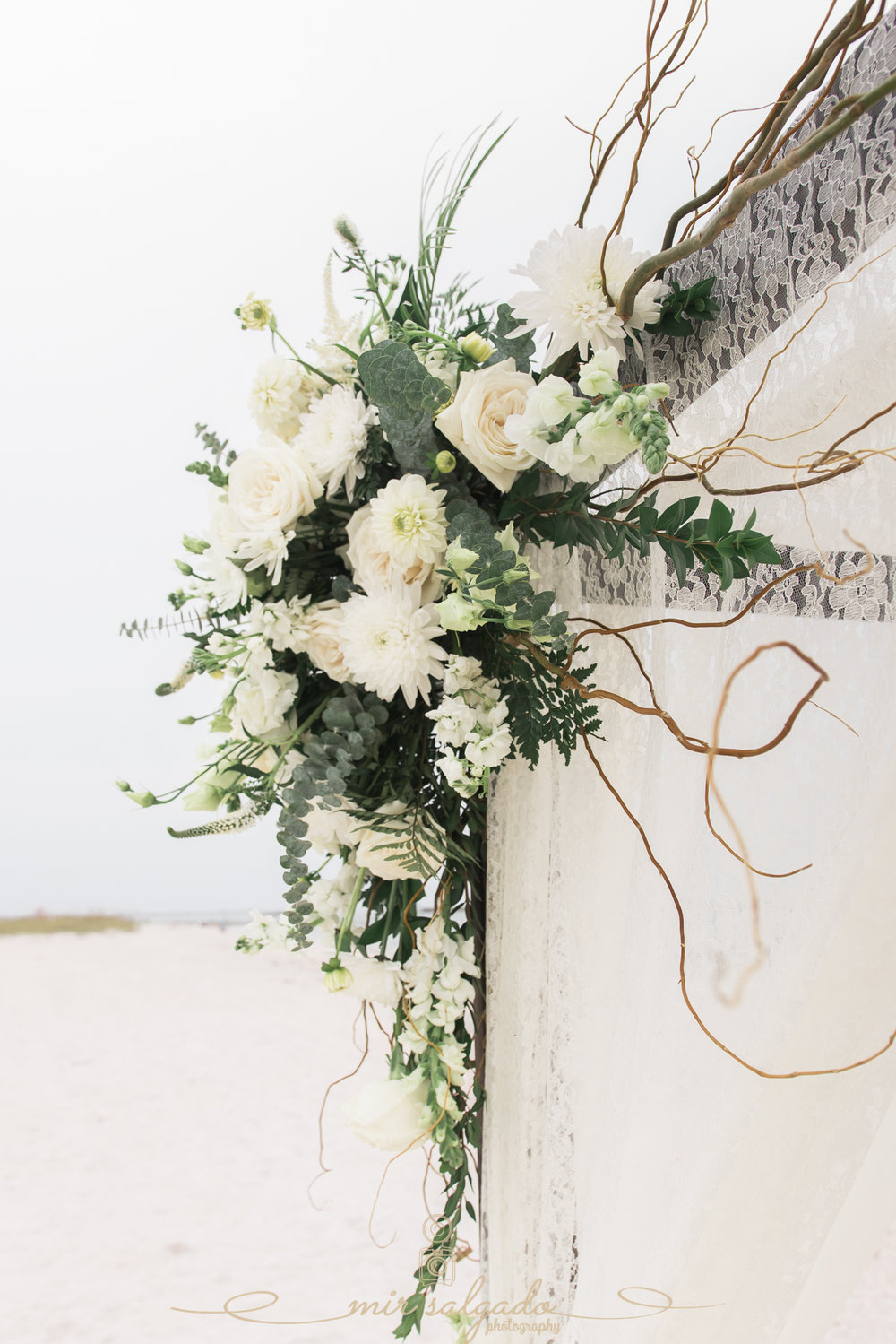 beach-wedding-decoration, vintage-beach-wedding-flowers