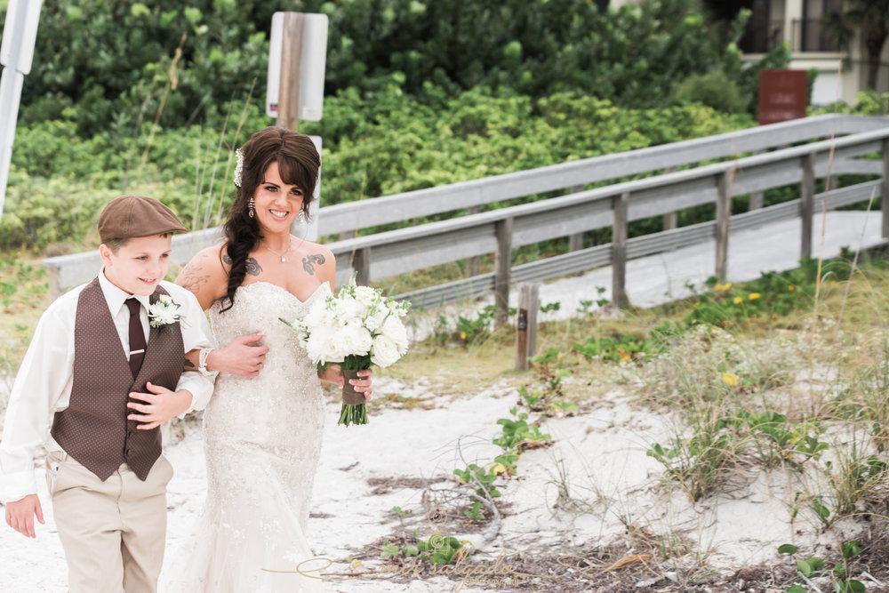 Florida-beach-wedding-ceremony, ST.Pete-beach-wedding-photo