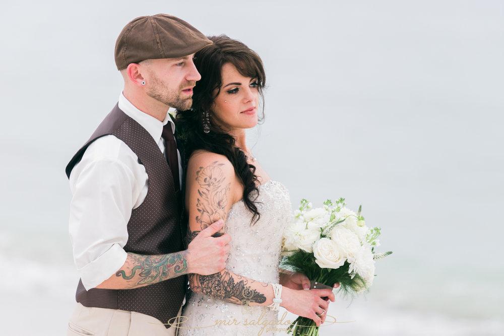 bride-and-groom-vintage-style-wedding, Tampa-wedding-photographer