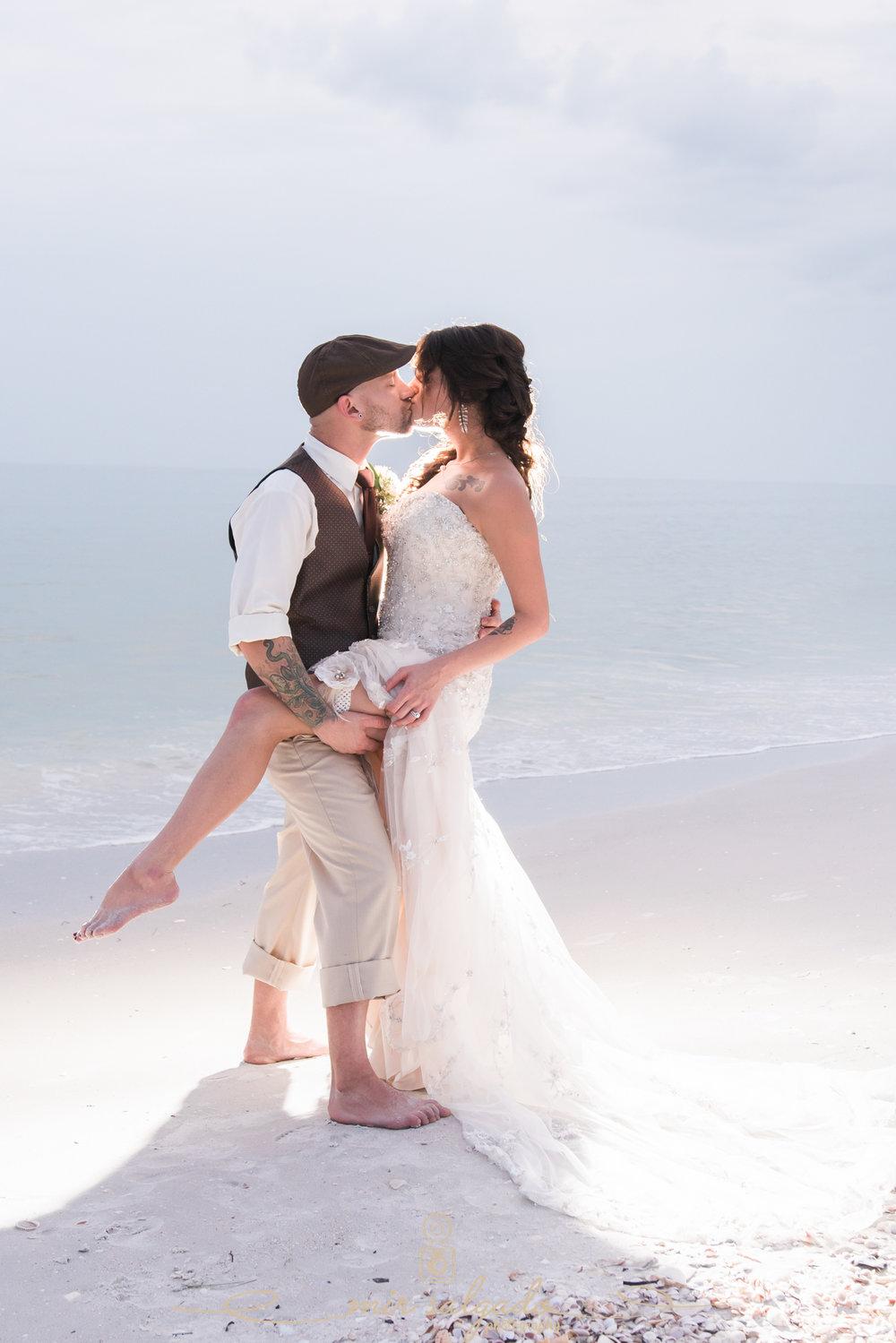 sexy-beach-wedding-photo, bride-and-groom-beach-photo