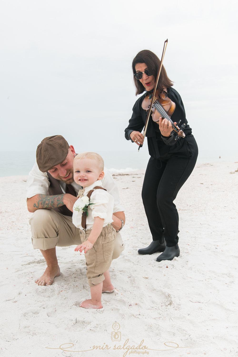 beach-wedding-musician, violinist-wedding-ceremony
