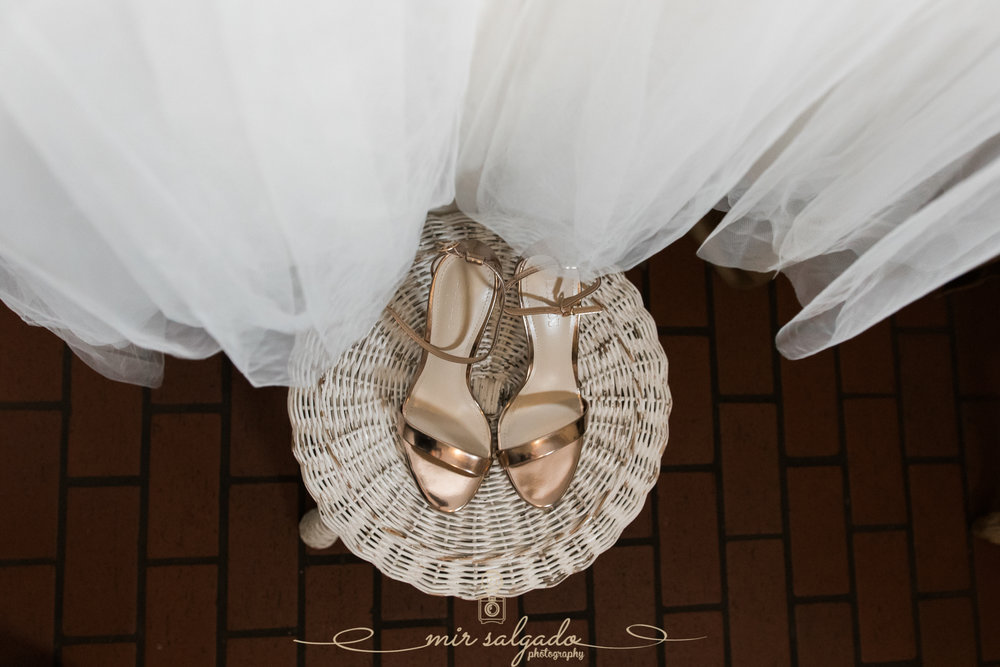Tampa-wedding-photo, bride-shoes-photo, wedding-details-photo