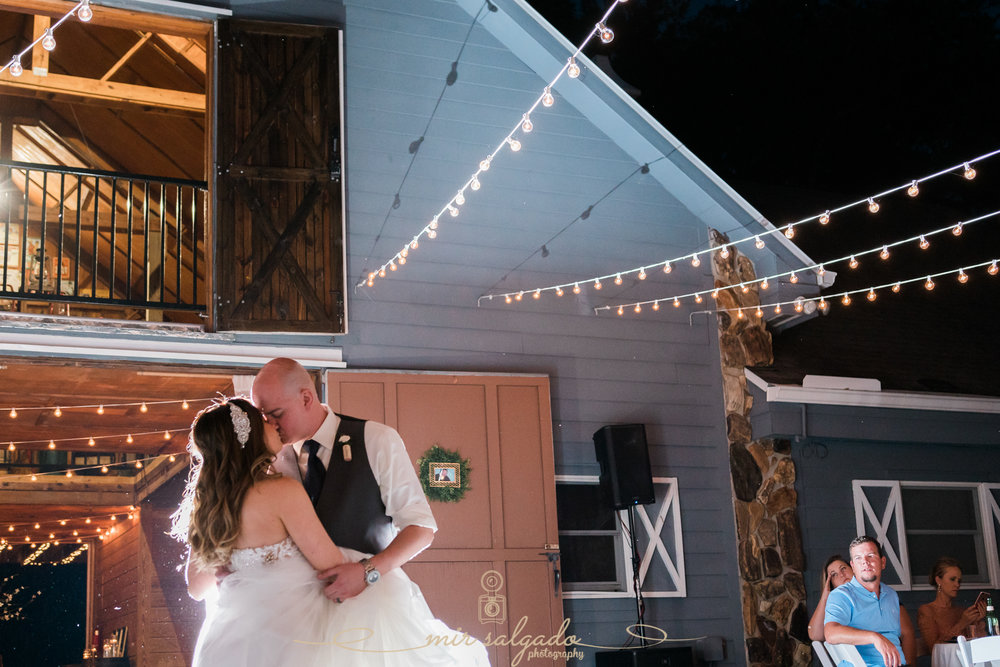 first-dance-photo, Tampa-wedding-photographer